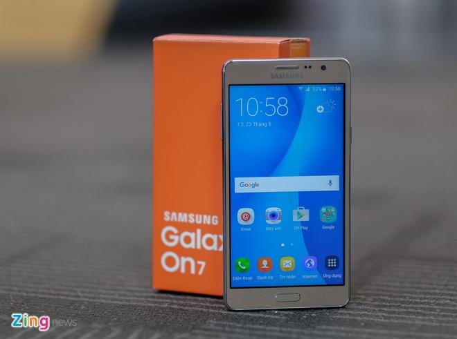 Anh Galaxy On7 camera 13 MP gia 3,9 trieu dong vua len ke hinh anh 11