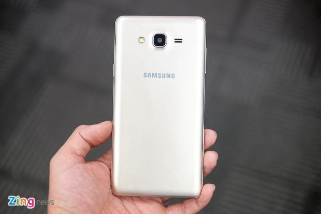 Anh Galaxy On7 camera 13 MP gia 3,9 trieu dong vua len ke hinh anh 5