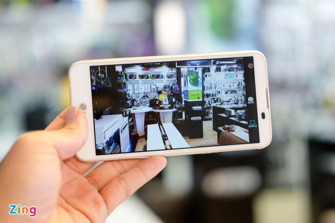Mo hop LG X Screen hai man hinh gia 4,9 trieu o VN hinh anh 8