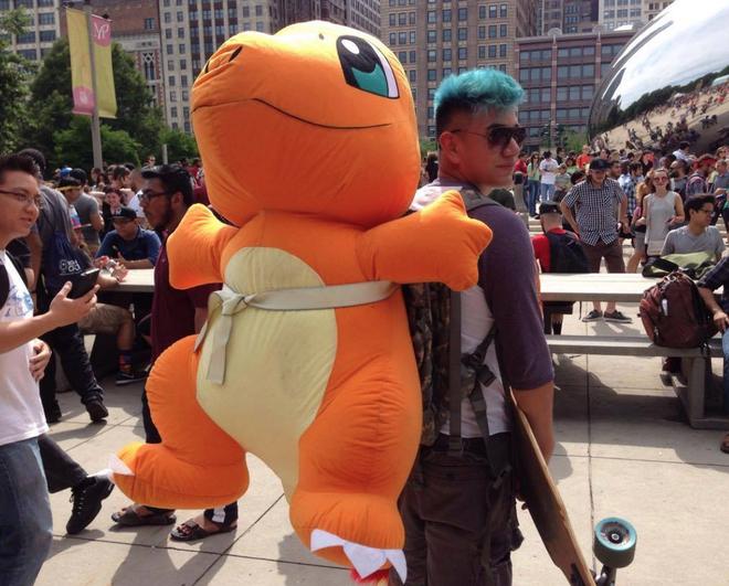 Hang nghin fan My tu hop di bat Pokemon Go hinh anh