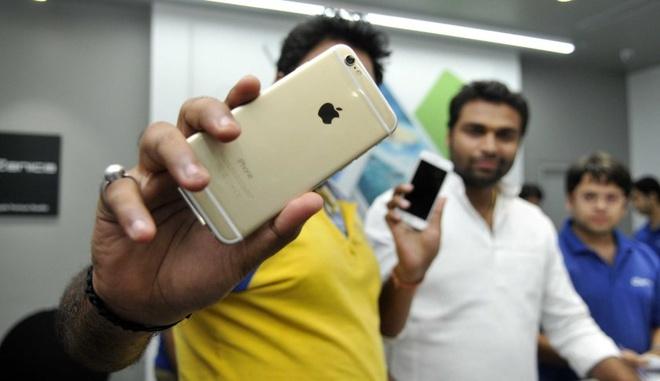 Apple nen bat chuoc Samsung de hoi sinh iPhone hinh anh