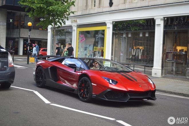 Sieu xe Lamborghini Aventador ban hiem xuat hien o London hinh anh 2