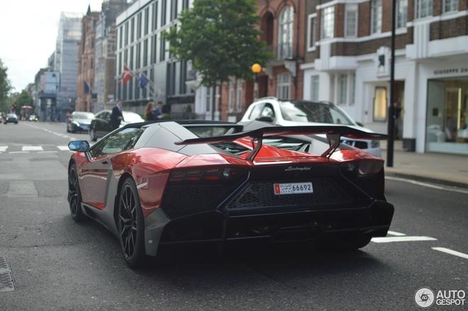 Sieu xe Lamborghini Aventador ban hiem xuat hien o London hinh anh 5