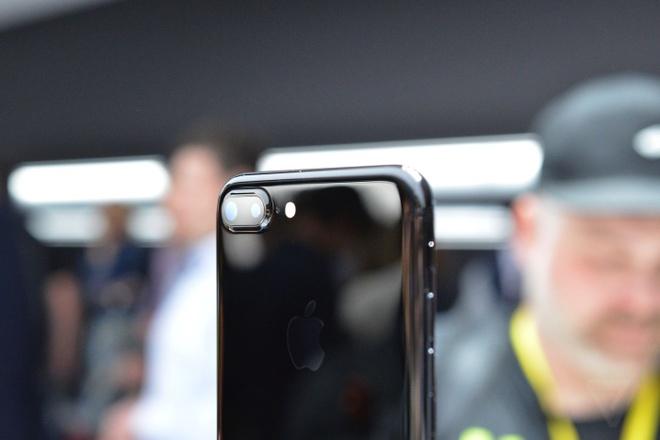 Anh va video thuc te iPhone 7 Plus: Camera kep xoa phong hinh anh