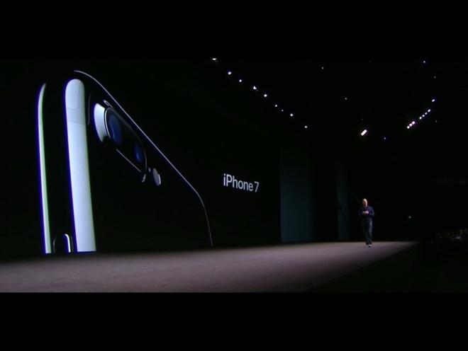 iPhone 7 chi la 'ke lot duong' cho iPhone 8 hinh anh