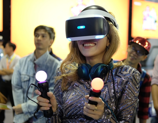 Kinh thuc te ao Sony Play Station VR xuat hien tai Viet Nam hinh anh