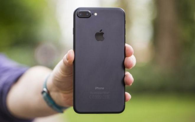 Nguoi Viet lao dong vat va nhat Dong Nam A de mua iPhone 7 hinh anh