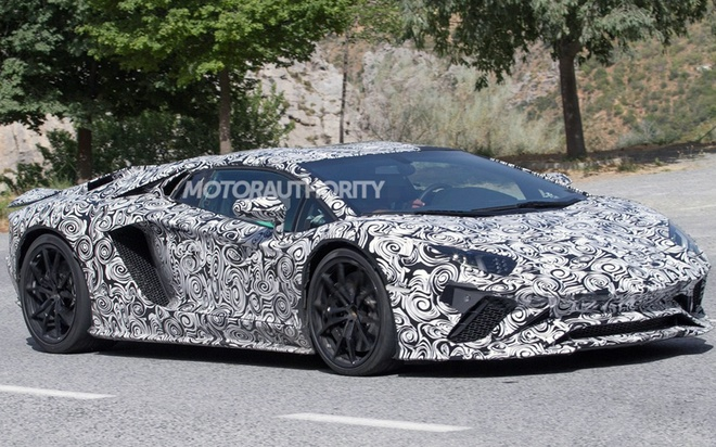 Lamborghini Aventador 2018 lo dien tren duong thu hinh anh 2