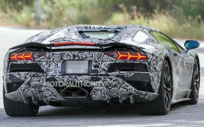 Lamborghini Aventador 2018 lo dien tren duong thu hinh anh 3