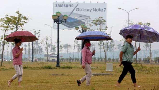 Cong nhan Samsung VN: Chung toi khong that nghiep vi Note 7 hinh anh