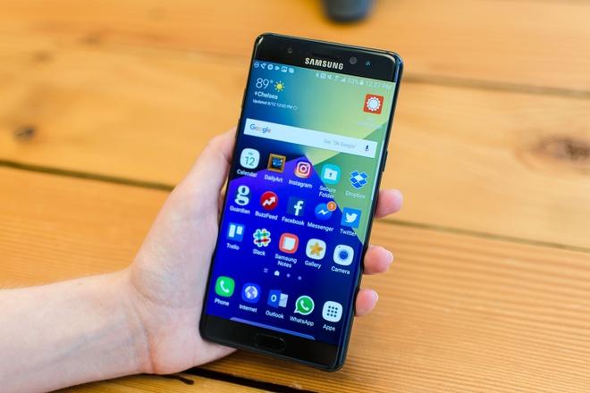 Galaxy Note 7 bi cam mang len may bay hinh anh