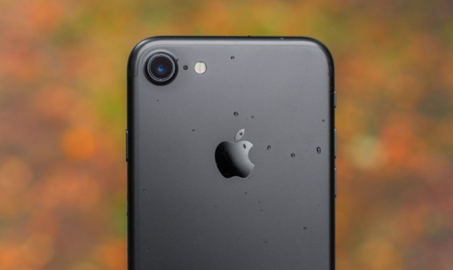 Apple: 'Dung de iPhone 7 sat dau khi goi dien thoai' hinh anh