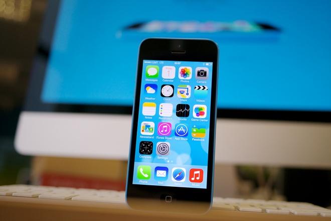 iPhone 5C gia 1,9 trieu o at tai xuat thi truong hinh anh 1