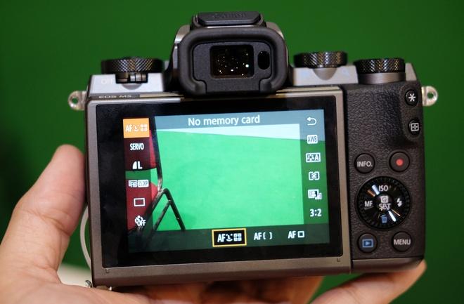 May anh khong guong lat Canon EOS M5 ve Viet Nam hinh anh 3
