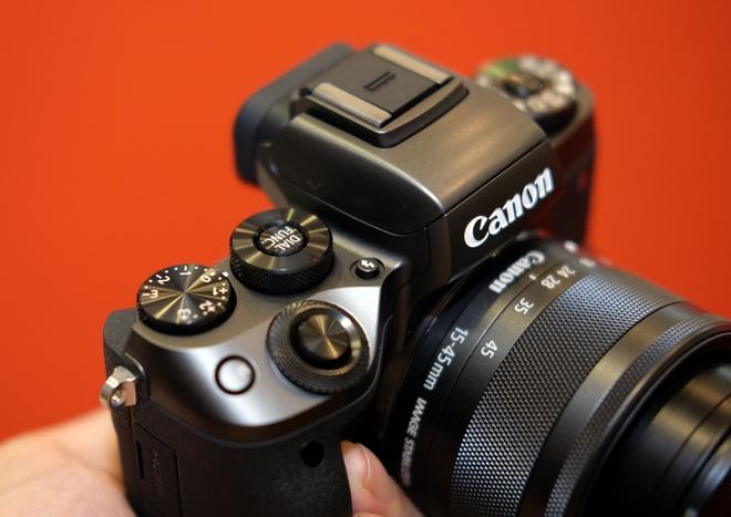 May anh khong guong lat Canon EOS M5 ve Viet Nam hinh anh 5