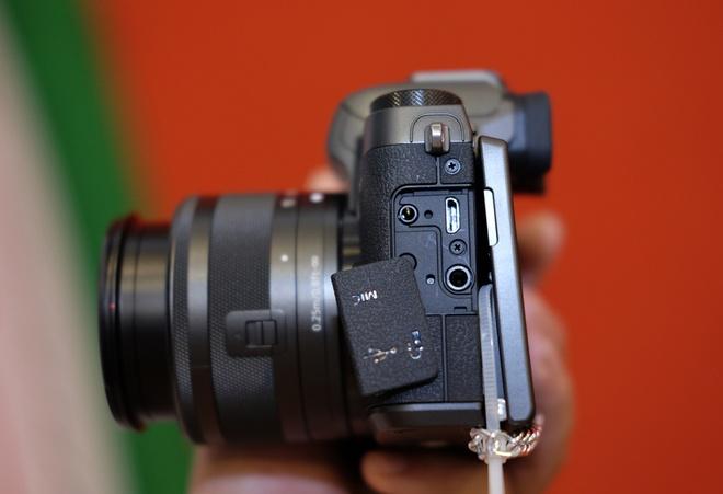 May anh khong guong lat Canon EOS M5 ve Viet Nam hinh anh 6