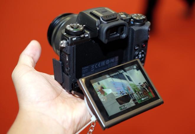 May anh khong guong lat Canon EOS M5 ve Viet Nam hinh anh 7