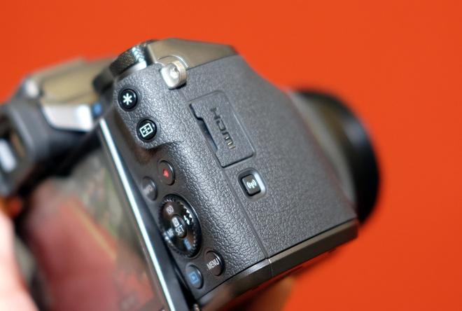 May anh khong guong lat Canon EOS M5 ve Viet Nam hinh anh 8
