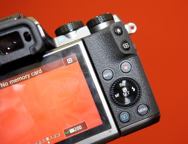 May anh khong guong lat Canon EOS M5 ve Viet Nam hinh anh 9
