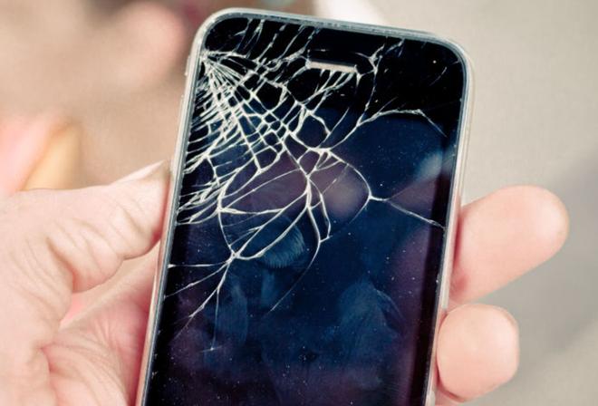Nguoi dung thuong lam hu dien thoai khi Apple ra iPhone moi hinh anh