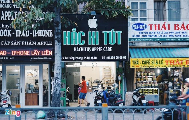 Logo Apple, iPhone tran ngap pho di dong Sai Gon hinh anh 12