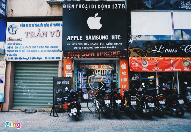 Logo Apple, iPhone tran ngap pho di dong Sai Gon hinh anh 6