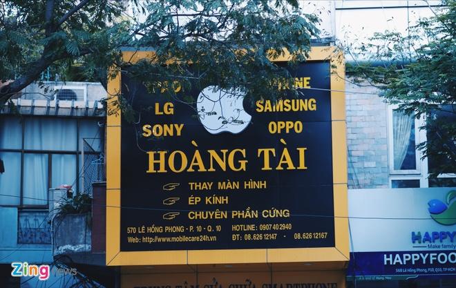 Logo Apple, iPhone tran ngap pho di dong Sai Gon hinh anh 13