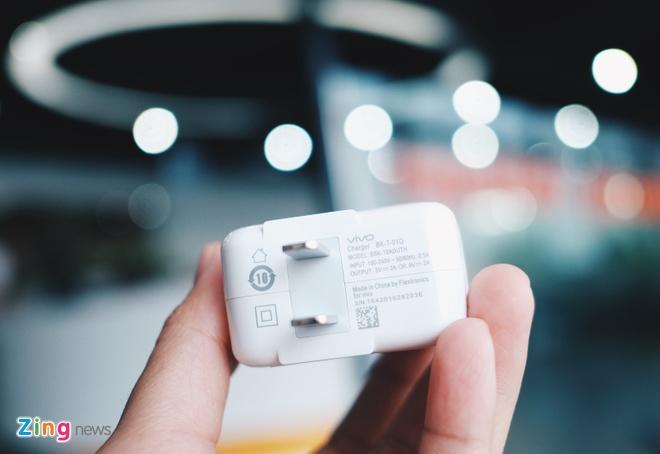 Mo hop Vivo V5 Plus camera kep selfie 'xoa phong' 20 MP hinh anh 3