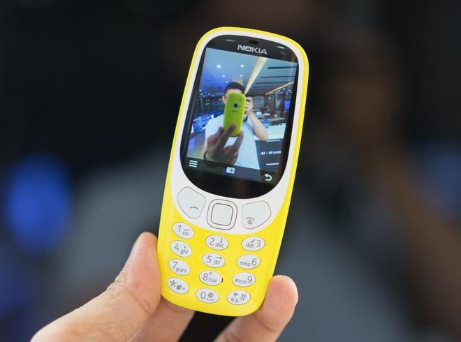 Mo hop Nokia 3310 gia hon mot trieu dong vua ban o Viet Nam hinh anh 4