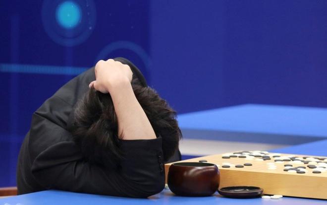 Loai nguoi hay tien len sau tran thua AlphaGo hinh anh