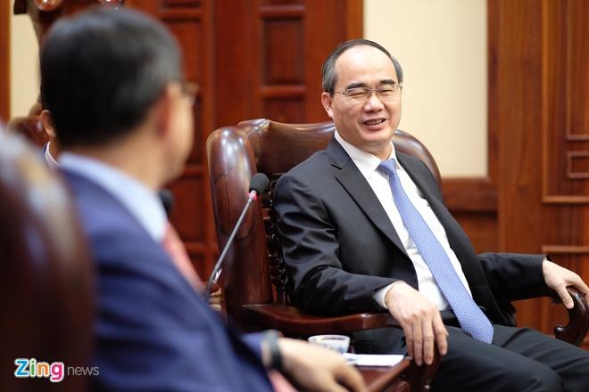 Bi thu TP.HCM: Can them doanh nghiep Viet san xuat cho Samsung hinh anh 2