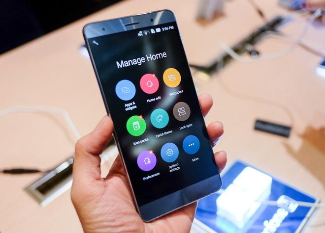 Nguoi Viet bot 'cuong' smartphone nhung van chi manh tay hinh anh