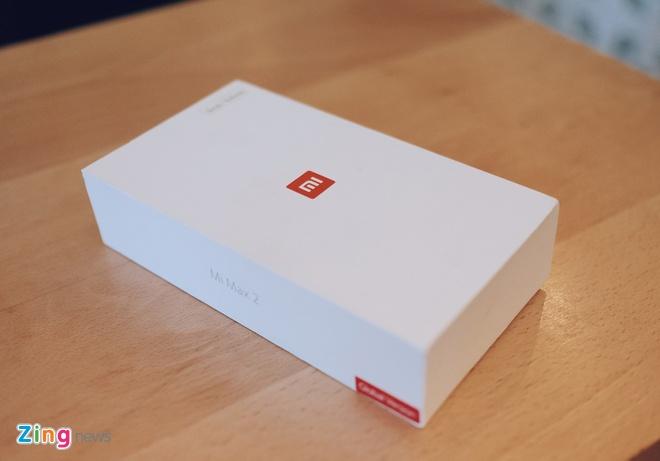 Mo hop Xiaomi Mi Max 2 pin 5.300 mAh vua ra mat hinh anh 1