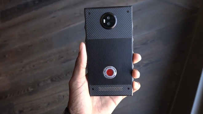 Smartphone den tu tuong lai, gia cao hon iPhone 7 hinh anh 1