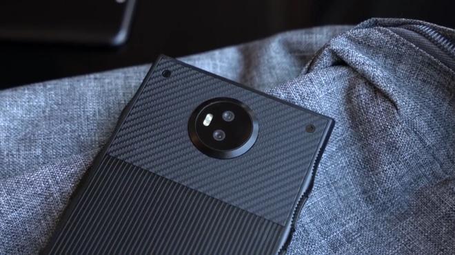 Smartphone den tu tuong lai, gia cao hon iPhone 7 hinh anh 4