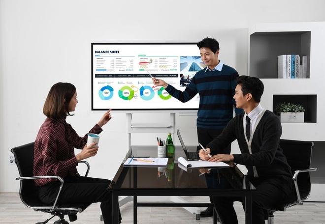 Samsung ra mat Flip - tablet 55 inch to ngang TV hinh anh 5