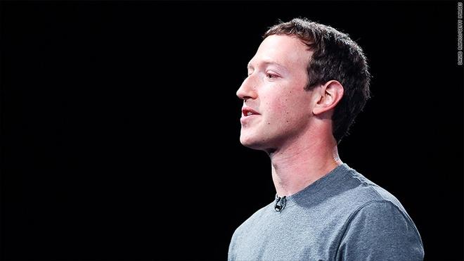 Mark Zuckerberg dang co cuu Facebook va chinh minh hinh anh 1