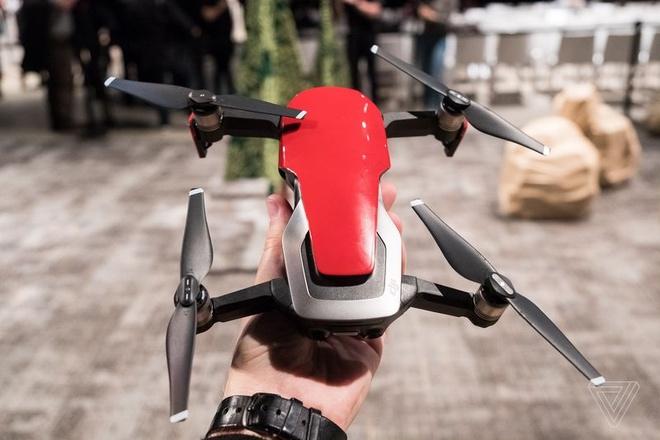 DJI Mavic Air ra mat: Drone quay 4K nho gon, gia 799 USD hinh anh 1