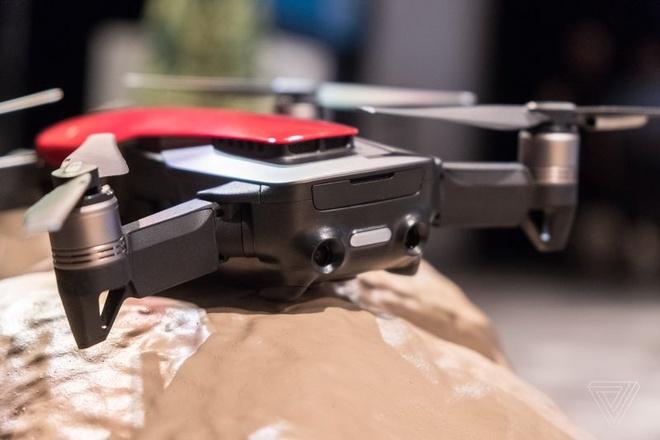 DJI Mavic Air ra mat: Drone quay 4K nho gon, gia 799 USD hinh anh 2