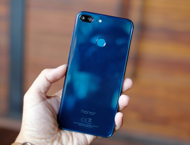 Honor tro lai VN voi smartphone 4 camera, chuyen choi game hinh anh 1