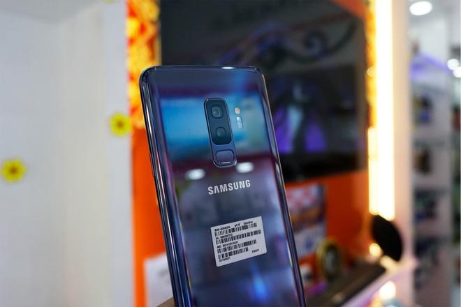 Galaxy S9+ 256 GB mau xanh xach tay ve VN gia 25 trieu hinh anh 1