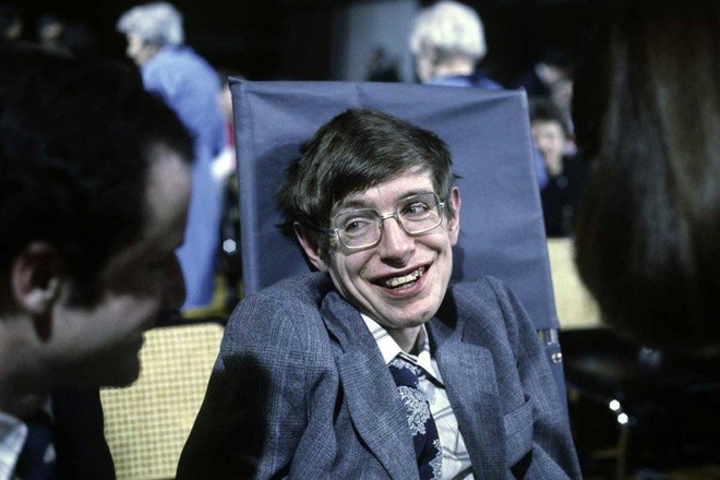 Cong nghe giup Stephen Hawking giao tiep khong can noi suot 21 nam hinh anh