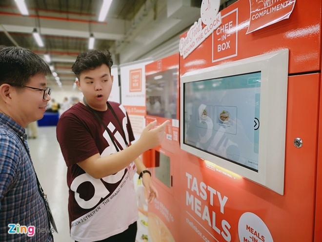 Cach chinh phu Singapore tiep dai hang nghin nguoi khong ton mot xu hinh anh 10