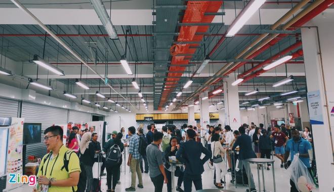Cach chinh phu Singapore tiep dai hang nghin nguoi khong ton mot xu hinh anh 3