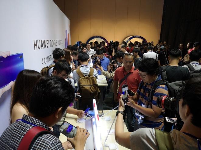 Nova 3i - smartphone dau tien co 4 camera 24 MP kem AI ra mat o VN hinh anh 23