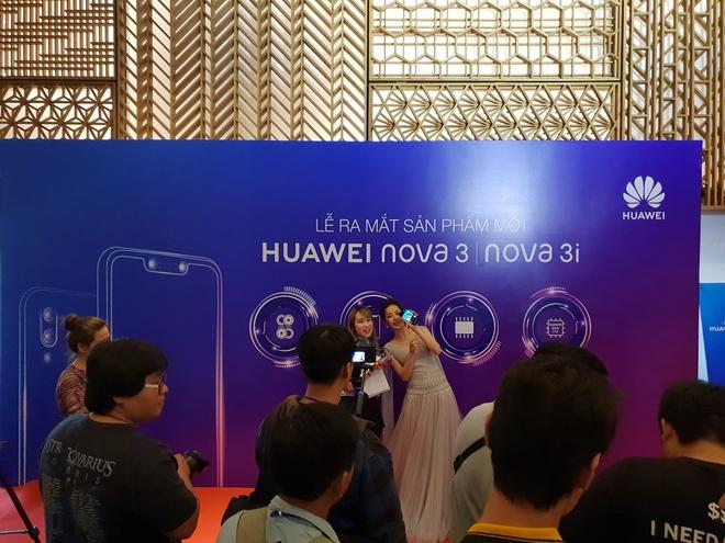 Nova 3i - smartphone dau tien co 4 camera 24 MP kem AI ra mat o VN hinh anh 3