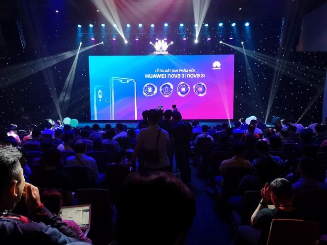 Nova 3i - smartphone dau tien co 4 camera 24 MP kem AI ra mat o VN hinh anh 5