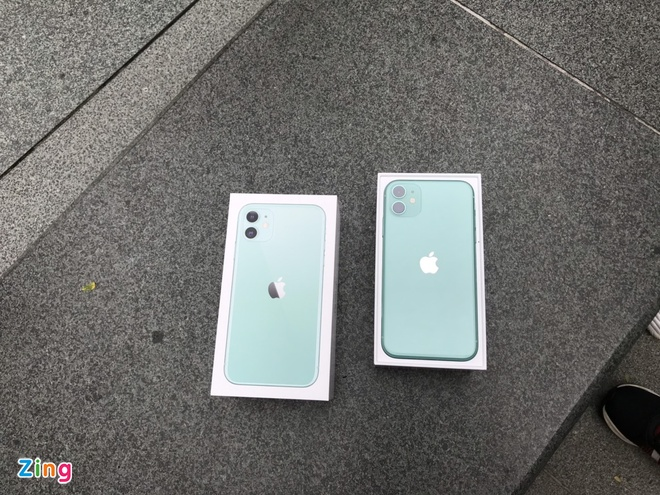 Apple Store vo tran vi moi nguoi Viet mua den 6 chiec iPhone 11 hinh anh 27