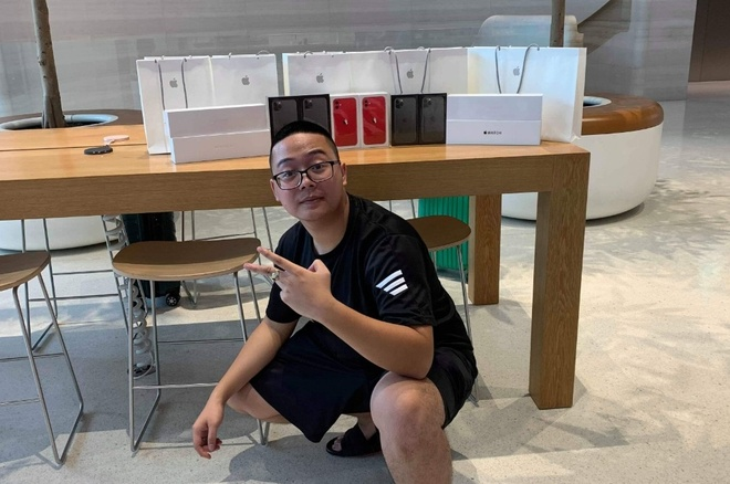 Apple Store vo tran vi moi nguoi Viet mua den 6 chiec iPhone 11 hinh anh 32