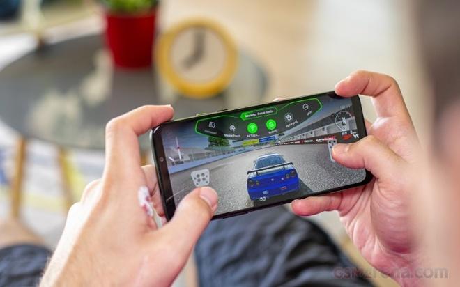 Smartphone manh nhat vua lo dien, khong phai iPhone hay Samsung hinh anh 1 Z17326022020.jpg